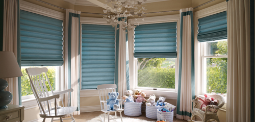 Hunter Douglas Vignette with Traditional fold
