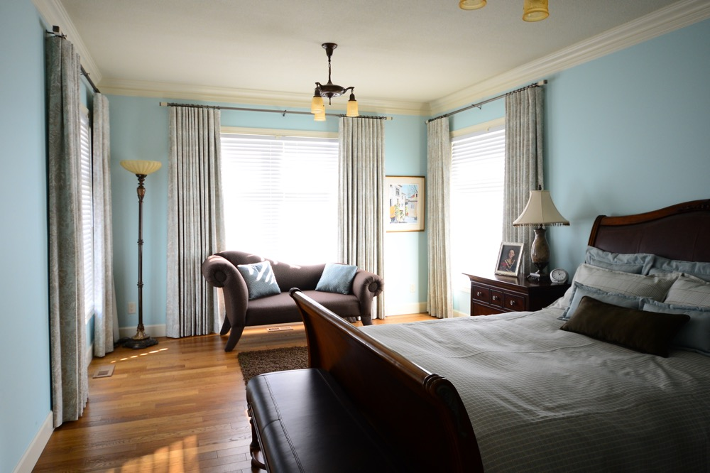 A Restful Holiday Guest Bedroom