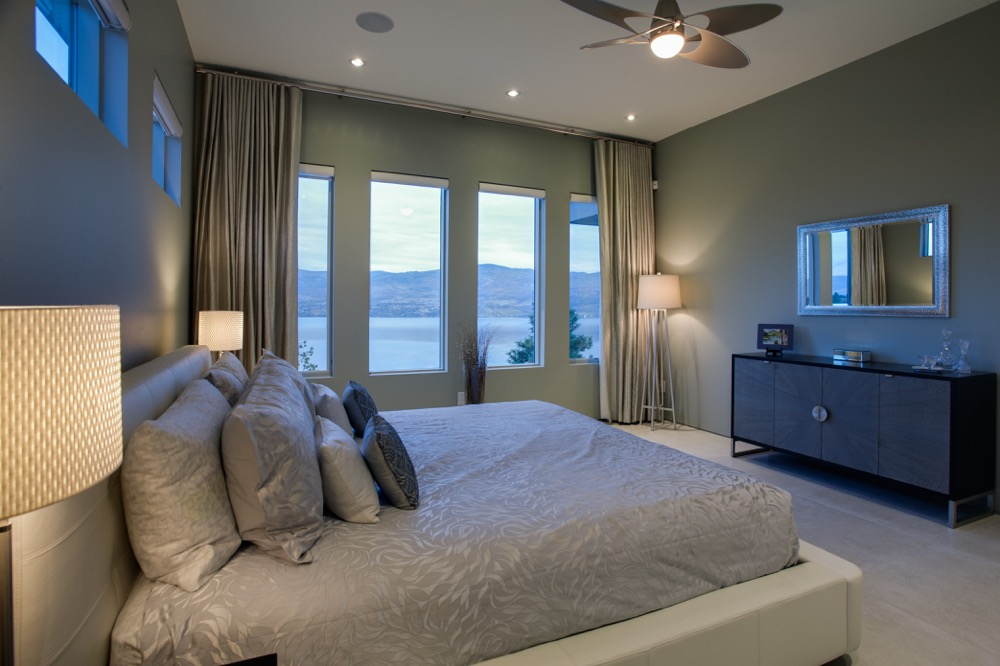 Metallic-drapes-Lakeview-bedroom