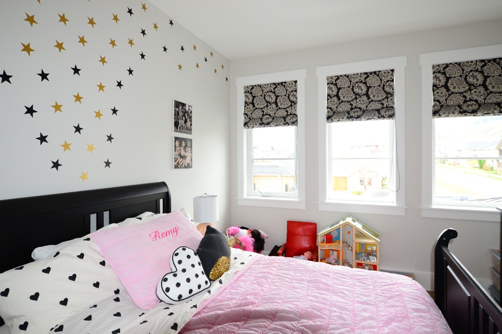 Roman Shades for Kids Bedroom
