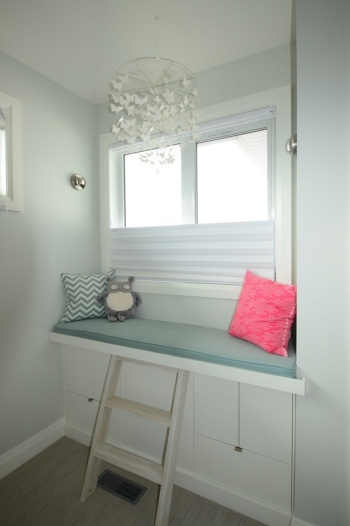 Custom window seat & Hunter Douglas blinds | The Well Dressed Window Kelowna